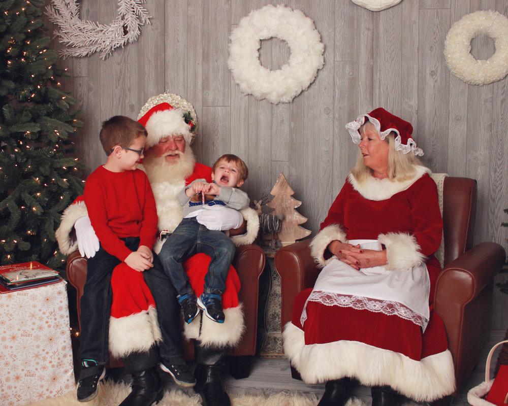Johnson Family Santa Experience! — Betty + Bobby Photography