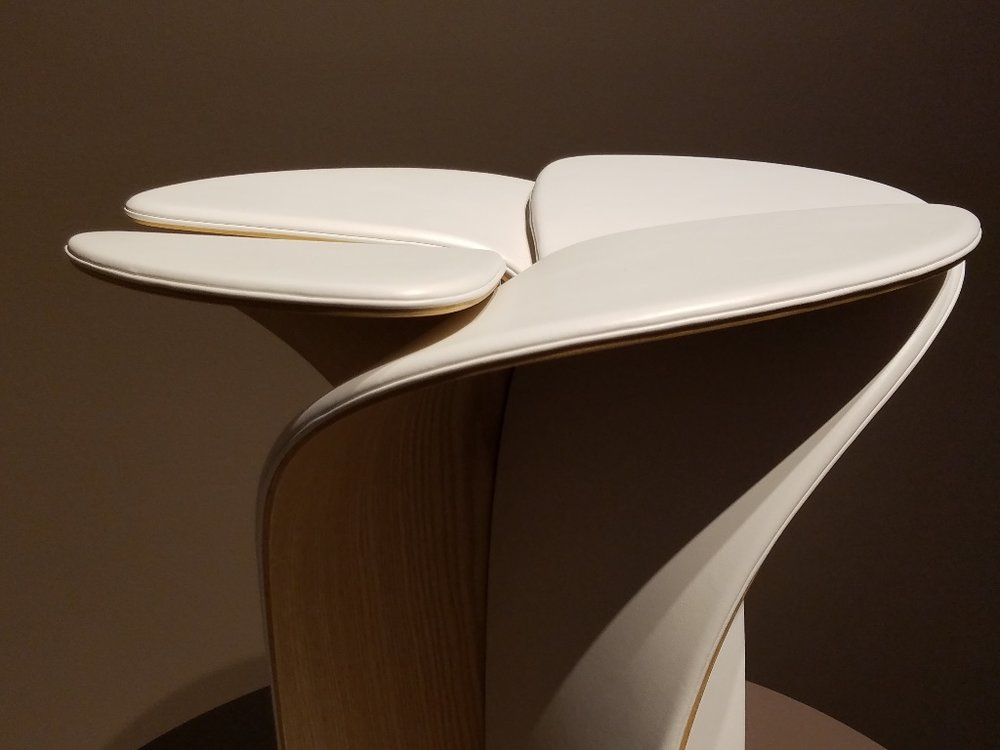 Blossom Stool  Louis Vuitton Objets Nomades  by Tokujin Yoshioka    A designer that acknowledges the truth of natural forms has a good chance of keeping his work timeless.