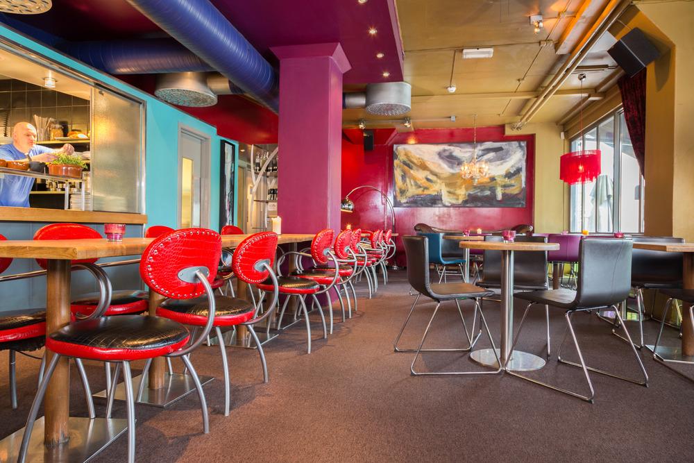 cafe-bare-blaabaer-restaurant-trondheim-norge-1