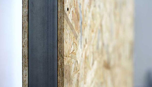 Bastidor de acero al que se acoplan las distintas capas o elementos constructivos.