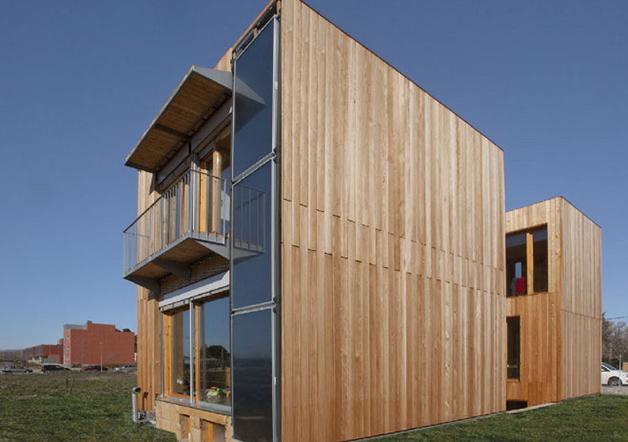 Passivhaus con elementos de protección solar pasivos