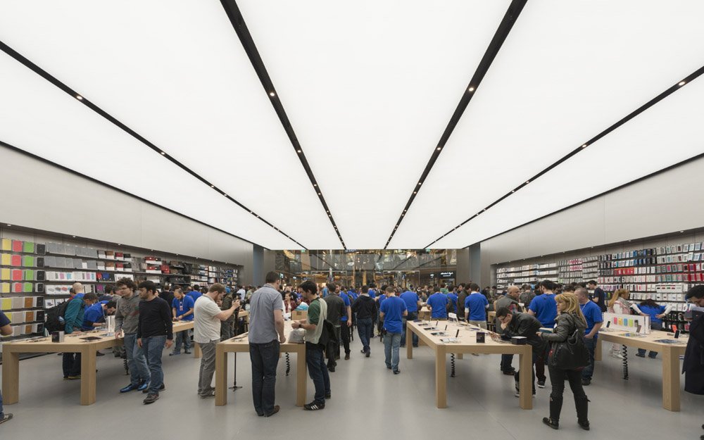 Apple_store_Zorlu_02.jpg