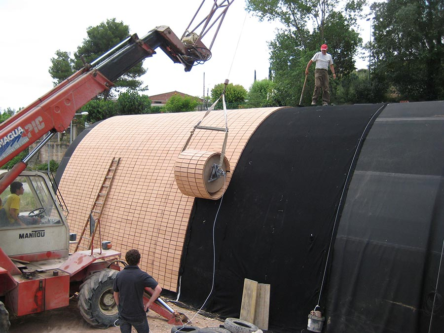 Instalación de Flexbrick en cubierta curva