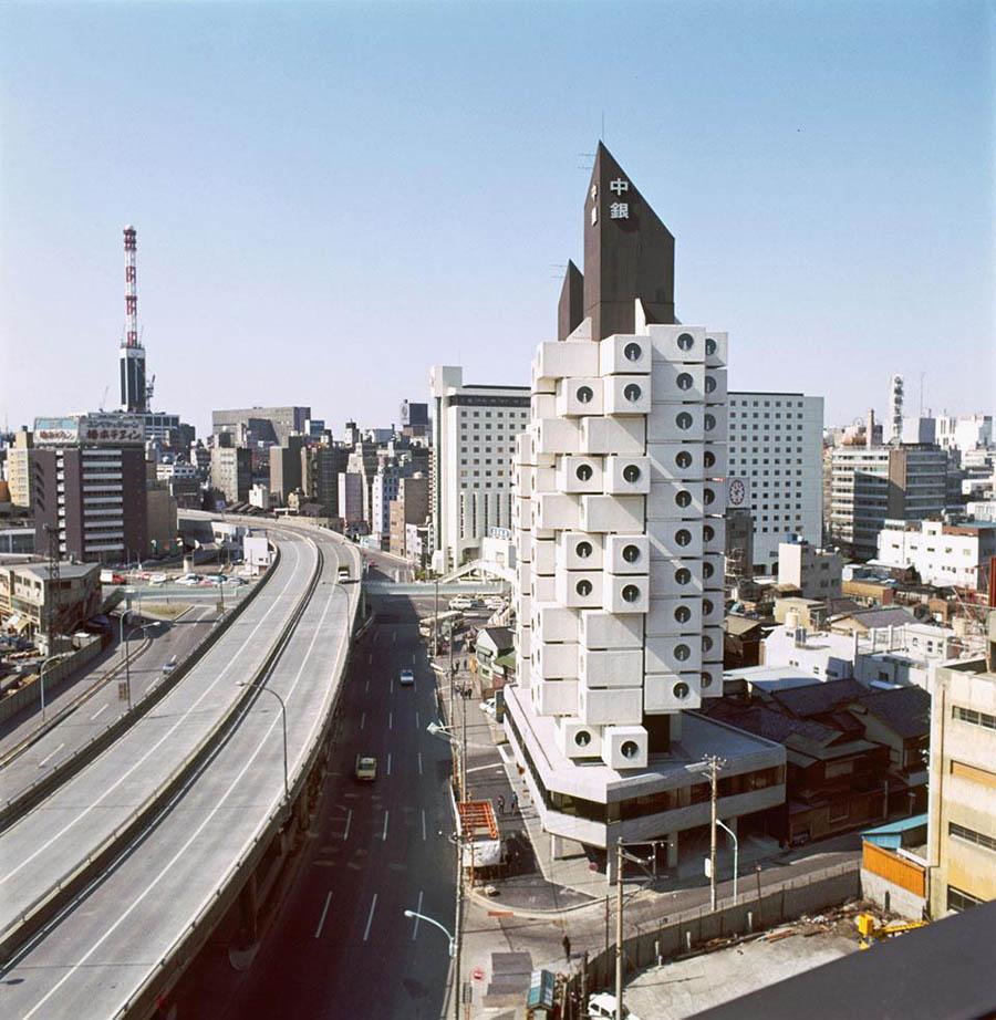 Vista exterior de la Torre Nakagin recién construida