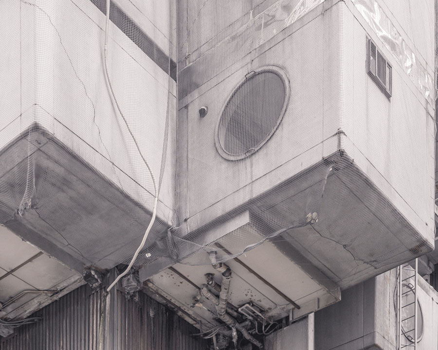 Acometida de desagües y demás instalaciones a las cápsulas