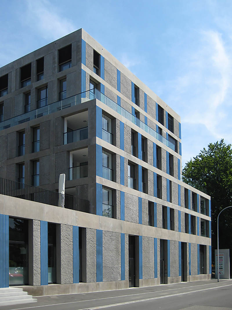 HeliaFilm integrado en piezas de hormigón prefabricado para fachada.