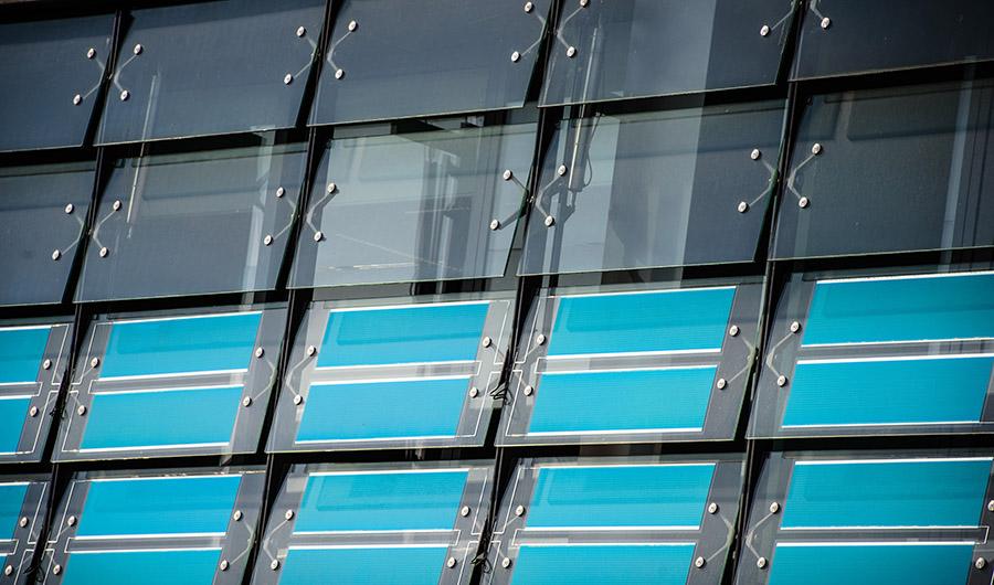 HeliaFilm puede integrarse entre dos piezas de vidrio