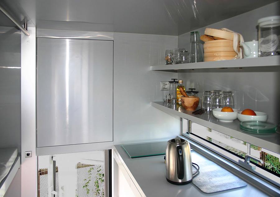 Cocina y espacios de almacenamiento.