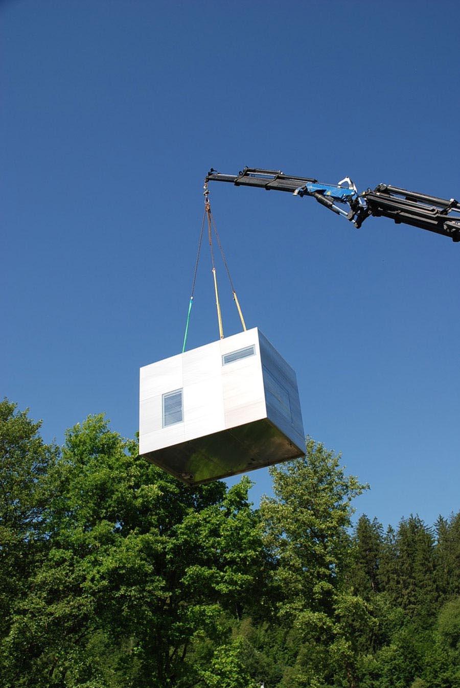 La instalación de estas viviendas se puede realizar con la ayuda de una grúa ligera.