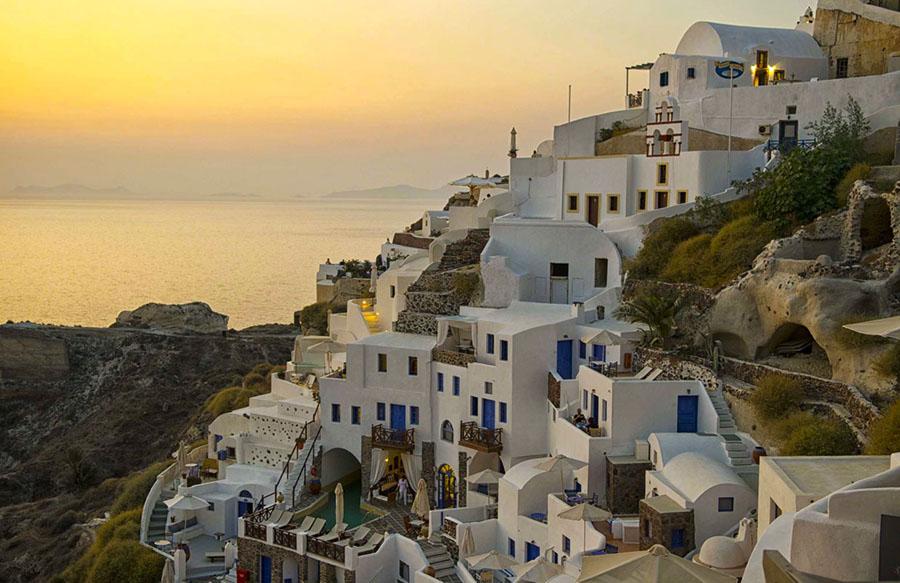 Oia, pueblo de la costa griega.