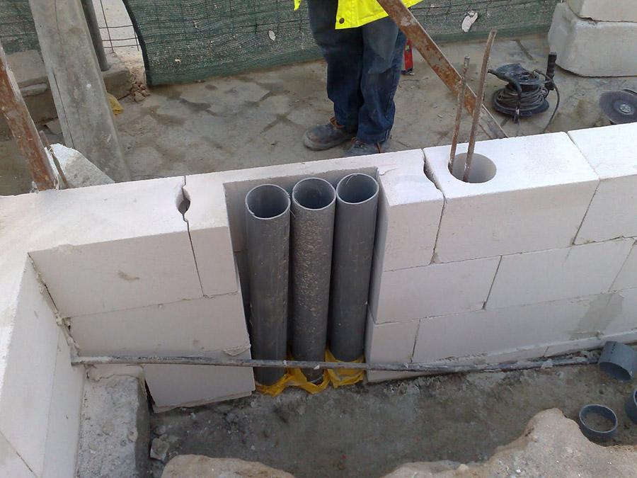 Instalaciones empotradas en muros de carga Ytong.