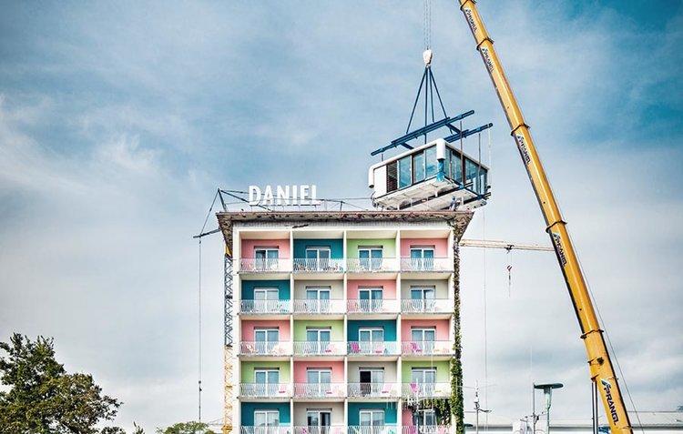 Arrevol Arquitectos: Ampliando la ciudad, viviendas en los tejados