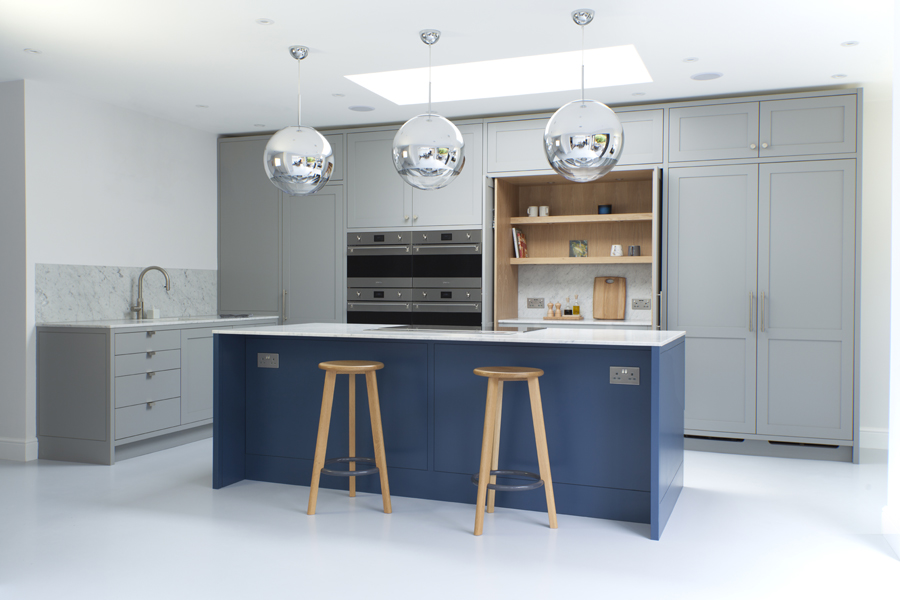 Standforth Kitchen Shaker 2 Doors Open 900x600px.jpg