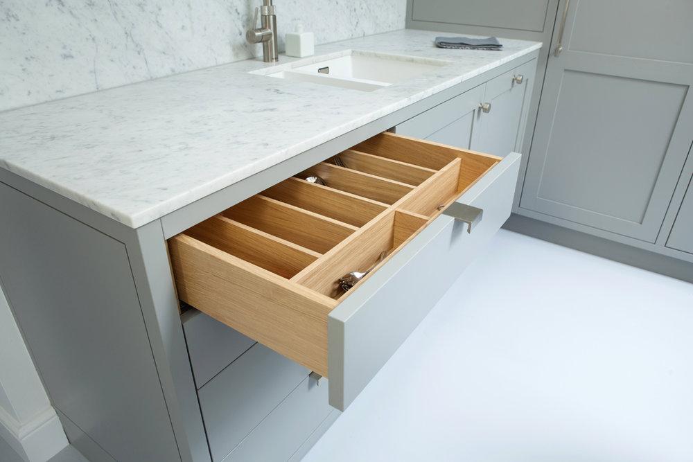 Standforth Kitchen Shaker 5 Cutlery Drawer 1200x800px.jpg