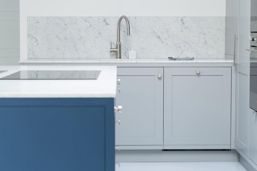 Standforth Kitchen Shaker 7 Flush Splashback 1200x800px.jpg
