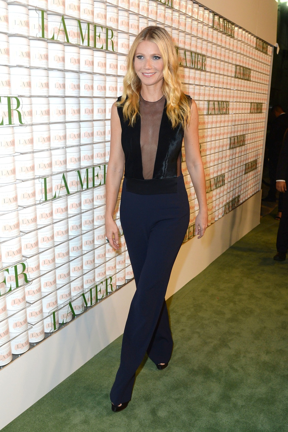 Gwyneth Paltrow looking gorgeous in Galvan