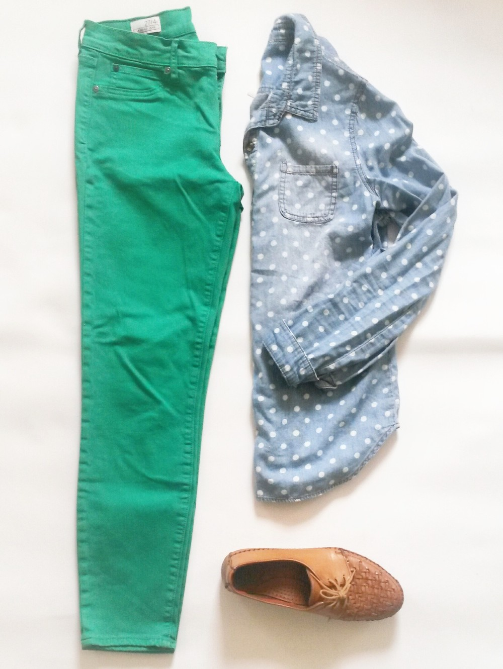 Gap mint legging jeans, Cherokee polka dot denim shirt, vintage woven leather shoes, all thrifted