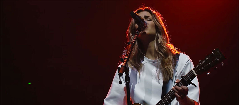 What A Beautiful Name – Hillsong