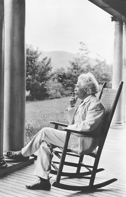 Mark Twain, 1905. Source