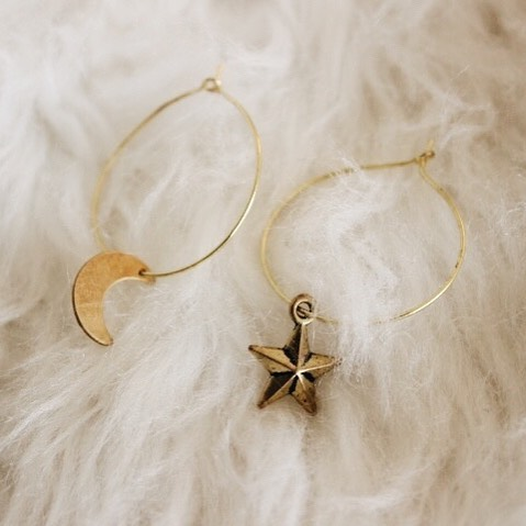 It's a half past quarter moon! 🤗Shop our cute little Quarter Moon Earrings through our bio link!!
