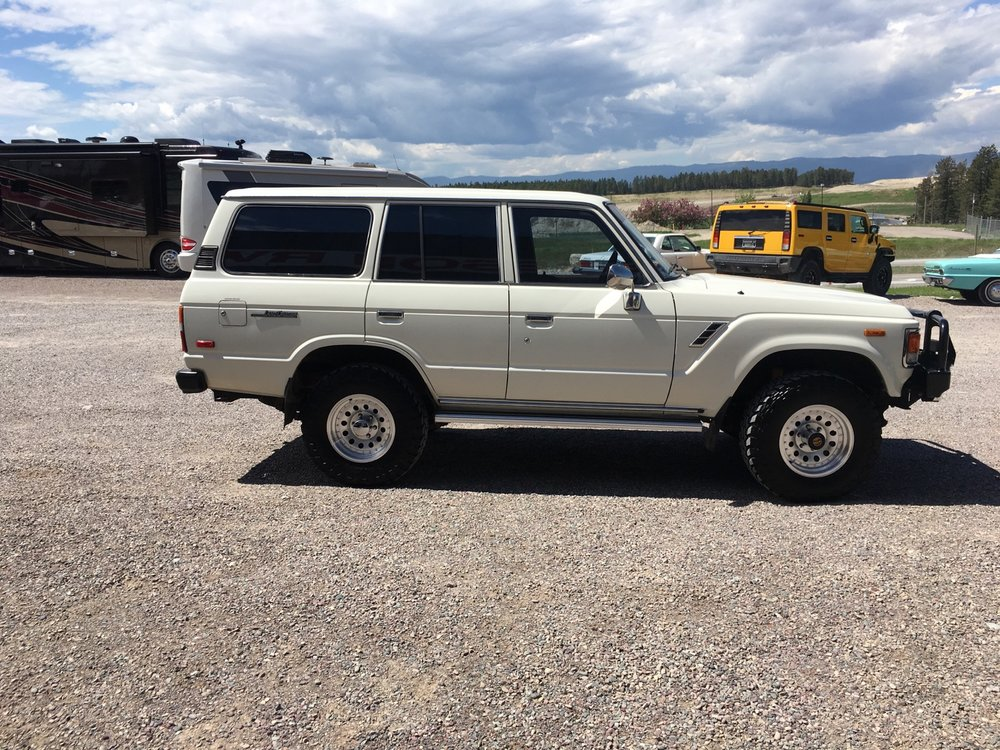 1984 Toyota LandCruiser - small lift, 4WD, new wheels and tires, ARB bumper, automatic and straight six, 120,000 original miles MINT MINT MINT$13,900