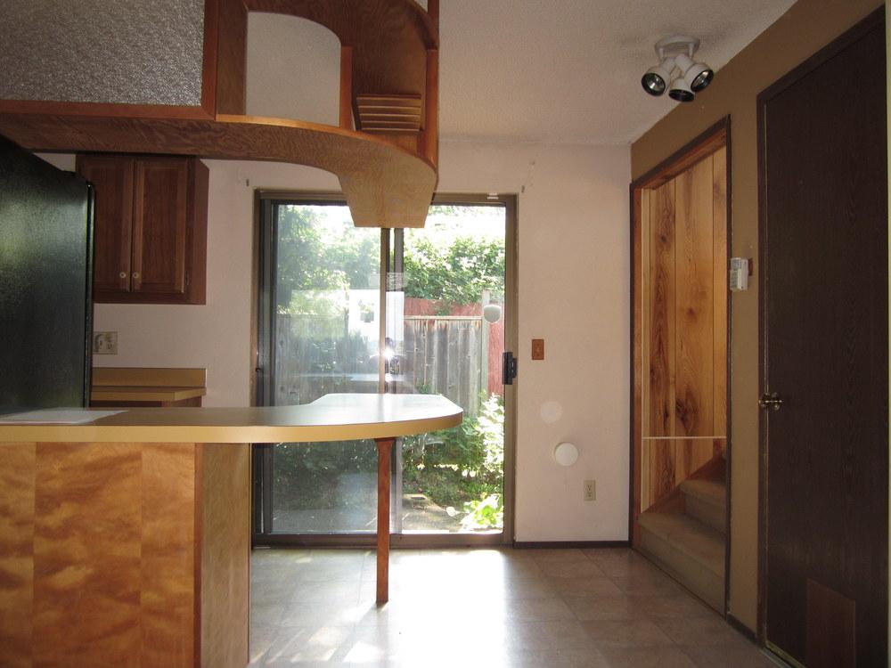 561-876035 - Dining Room 1.JPG