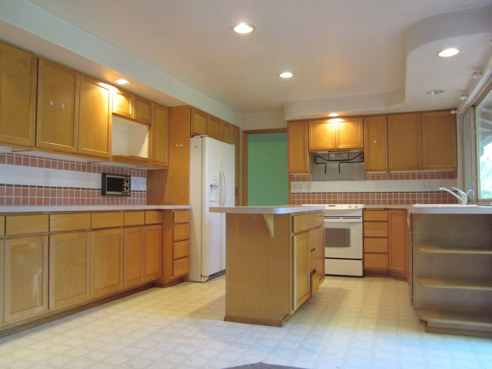 561-933522-kitchen3.JPG