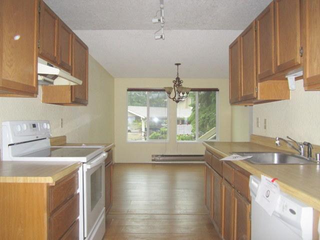 561-937148 -kitchen1.jpg