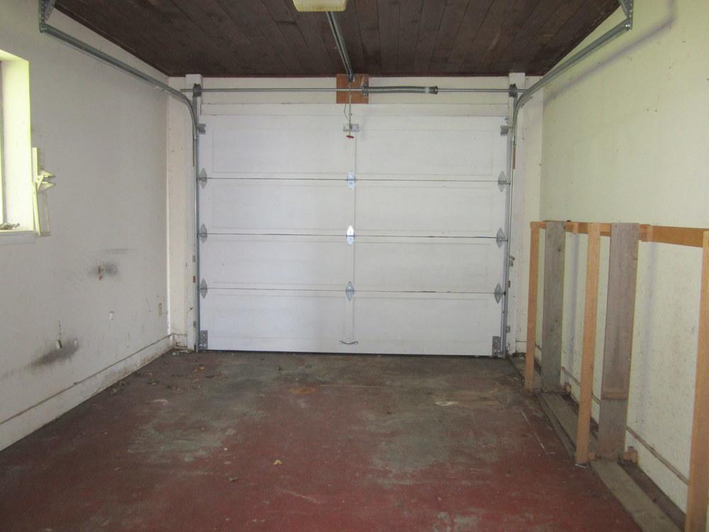 7-garage.JPG