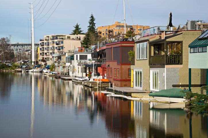 houseboats small.jpg