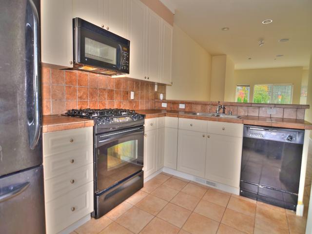 kitchen 1 6816.jpg