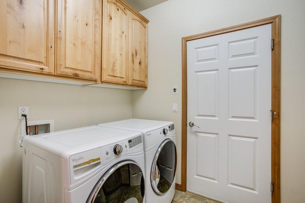 20-utility room.jpeg
