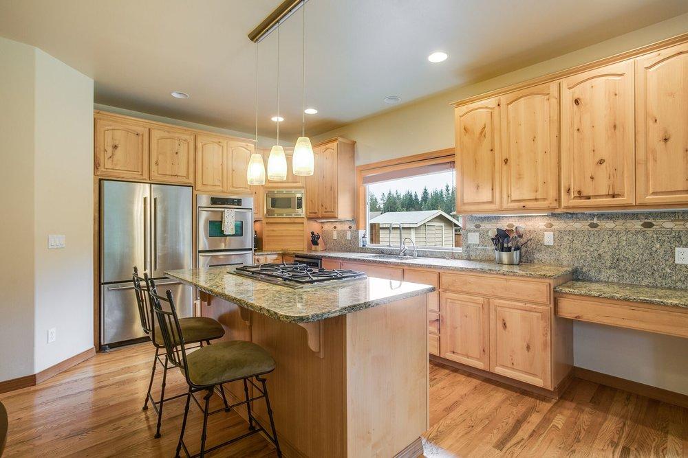 7-kitchen 2.jpeg