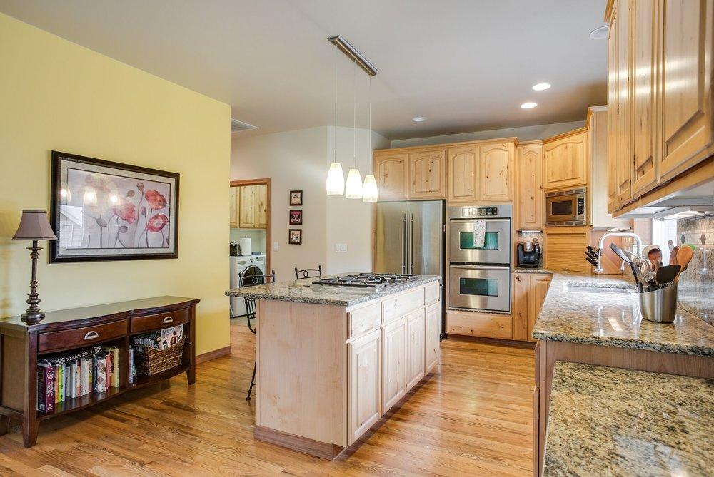 12-kitchen 3.jpeg