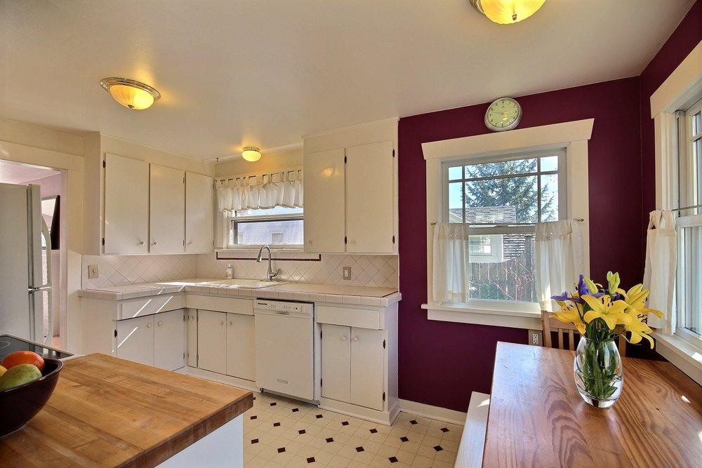 04_kitchen 1.jpg
