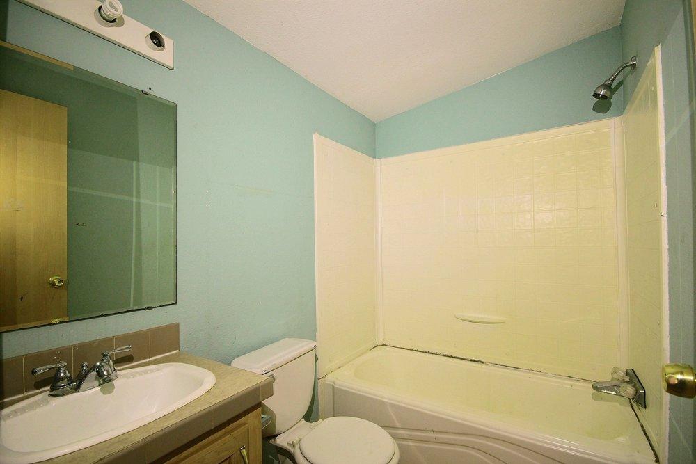 15-bath1.jpg