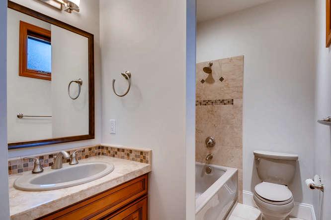 315 Ward St Seattle WA 98109-small-019-12-2nd Floor Bathroom-666x444-72dpi.jpg