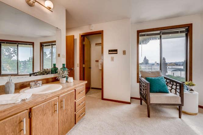 8517 Burke Ave N Seattle WA-small-016-11-Master Bathroom-666x444-72dpi.jpg