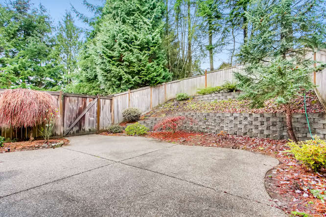4801 NE 18th Pl Renton WA-small-025-5-Patio-666x444-72dpi.jpg