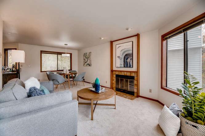 8517 Burke Ave N Seattle WA-small-004-27-Living Room-666x444-72dpi.jpg