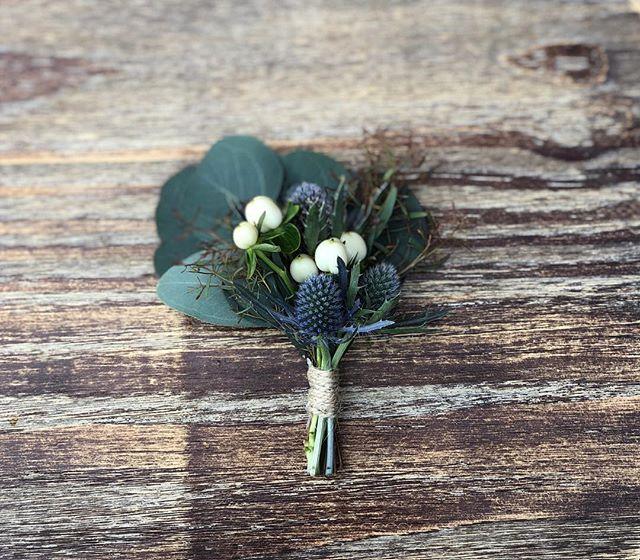 Love is Key • • • • • • • • • • •  #weddingflowers #florals #florist #socalweddings #wedding #ocflorist #laflorist #bridal #floraldesign #bride #floraldesigner #floralarrangement #weddingplanning #summerwedding #eventflowers #flowers #socalbrideblog #socalbride #wintewedding #engaged #engagement #socalbrideblog #theknot #weddingforward #junebugweddings #greenweddingshoes #bohowedding #bohobride #mayeshoc #boutenniere