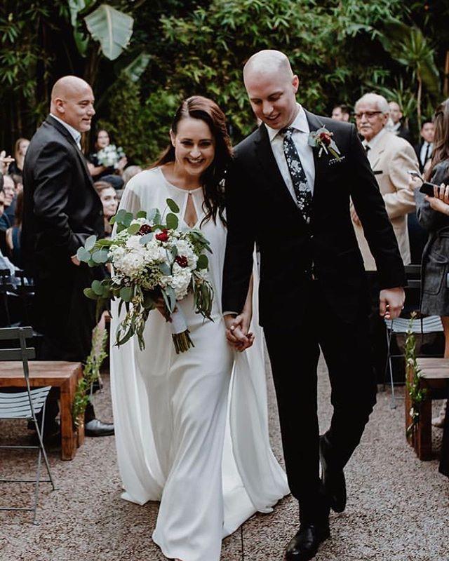 Shine  Photography: @edithhoganphotography • • • • • • • • • • •  #weddingflowers #florals #florist #socalweddings #wedding #ocflorist #laflorist #bridal #floraldesign #bride #floraldesigner #floralarrangement #weddingplanning #summerwedding #eventflowers #flowers #socalbrideblog #socalbride #wintewedding #engaged #engagement #socalbrideblog #theknot #weddingforward #junebugweddings #greenweddingshoes #bohowedding #bohobride #mayeshoc