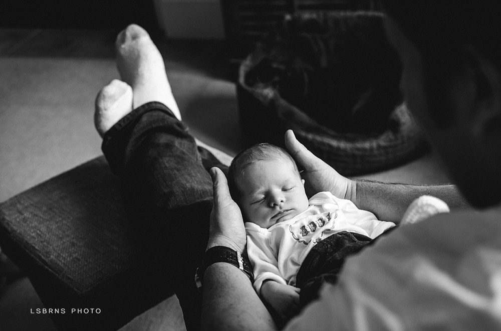 LsBrns Photo >> London Ontario Newborn Photographer | London Ontario Family Photographer | www.LsBrnsPhoto.com