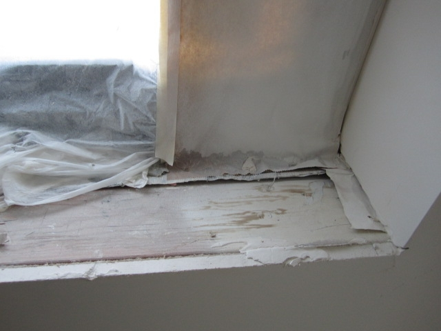 almost no dust on window sill