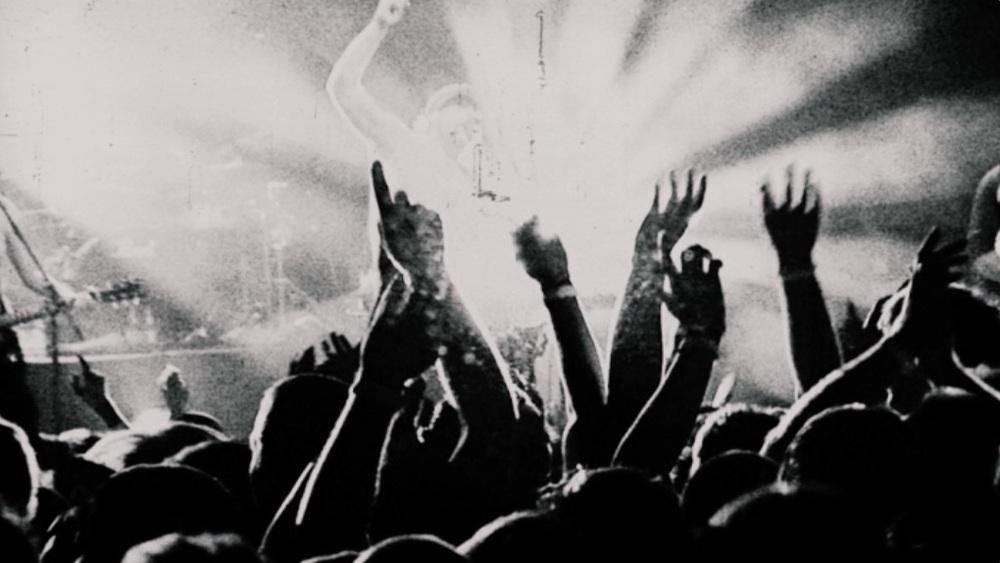 hands wide.jpg