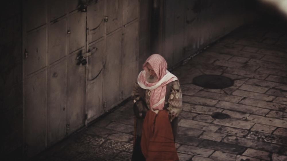 arab man scarf.jpg