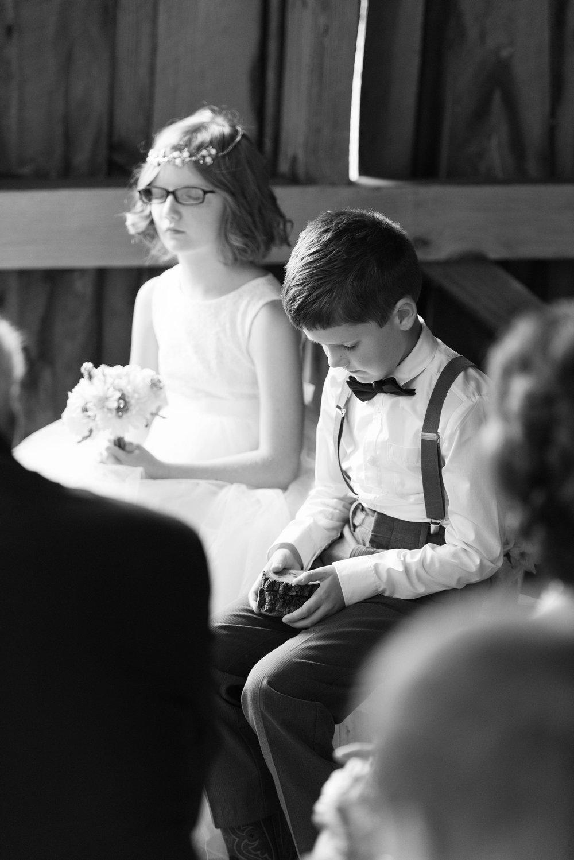 wedding-kids-prayer-virginia-wedding-planner-photos.jpg