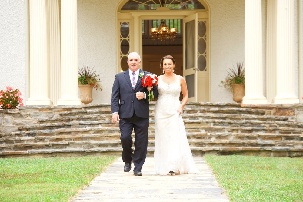 father-daughter-bride-aisle-photos.jpg