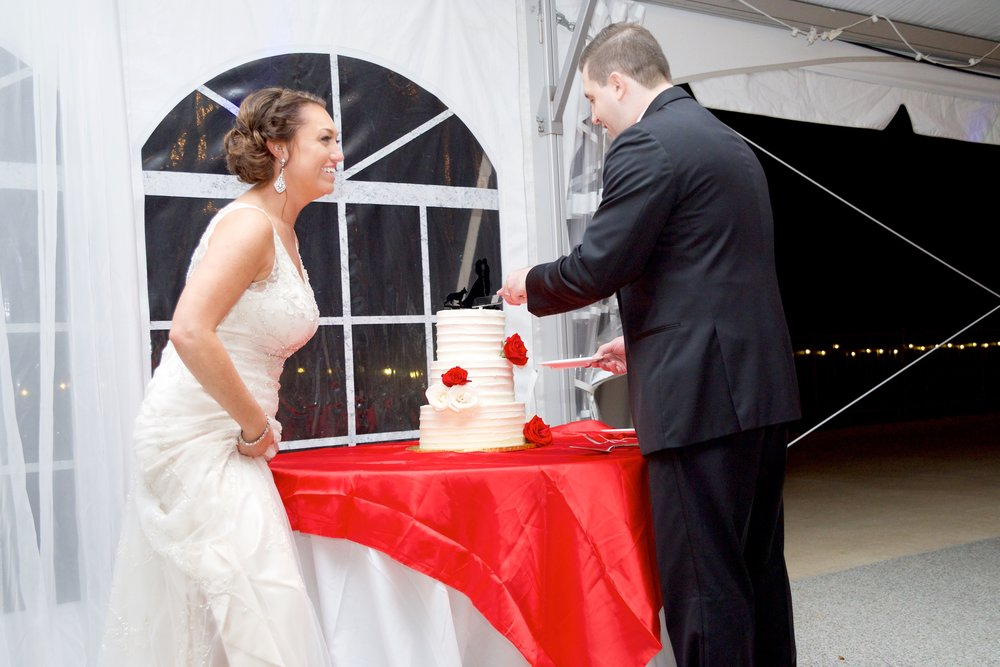 bride-groom-wedding cake-cake-red wedding-photos.jpg