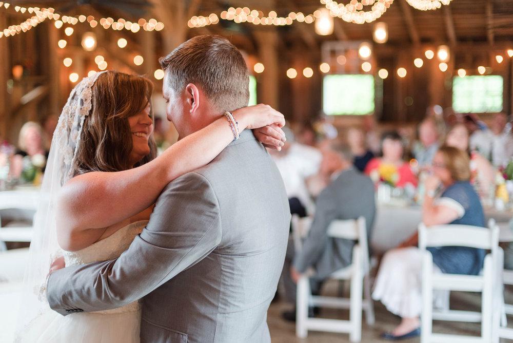 bridegroom-firstdance-wedding-reception-dance-first-dance-photos.jpg